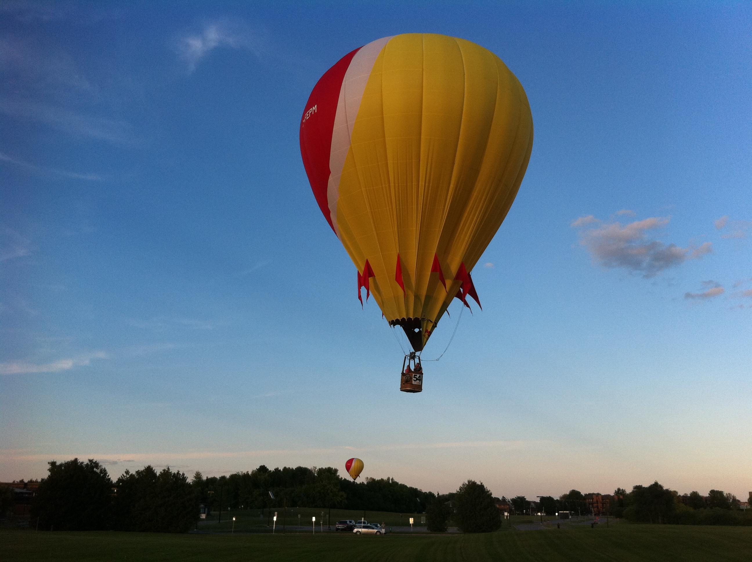 baloon coming down